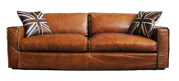 Clubsofa Redhill 2,5-Sitzer Vintage Leder Frontalansicht mit Kissen